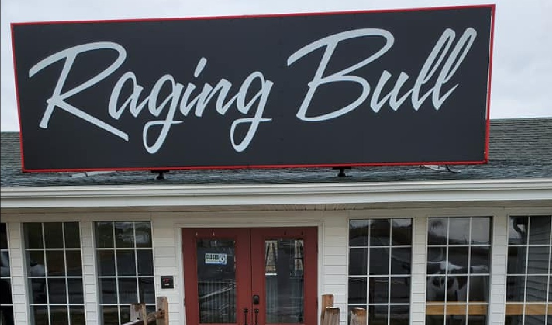 Raging Bull Steakhouse offers our community a new and exciting sit-down restaurant. We offer fresh, delicious, creative food items and a fun atmosphere.